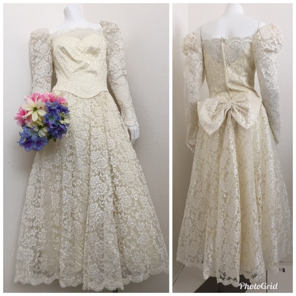 Ilgwu Vintage Long Sleeve Lace Wedding Dress 8 Bow